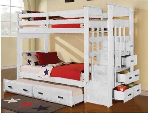 Phòng ngủ của bé được sử dụng giường tầng nhỏ gọn, đáng yêu.